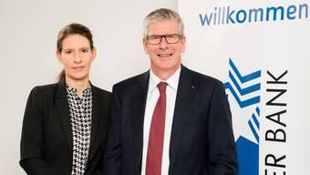 Studienverfasserin Sara Carnazzi und NAB-CEO Roland Herrmann an der Medienkonferenz in Aarau.