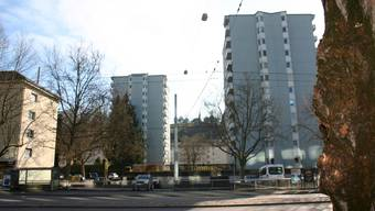 Die beiden hellblauen Hochhäuser an der Zürcherstrasse bleiben bestehen. Um sie herum entstehen Blockrand-Bauten.