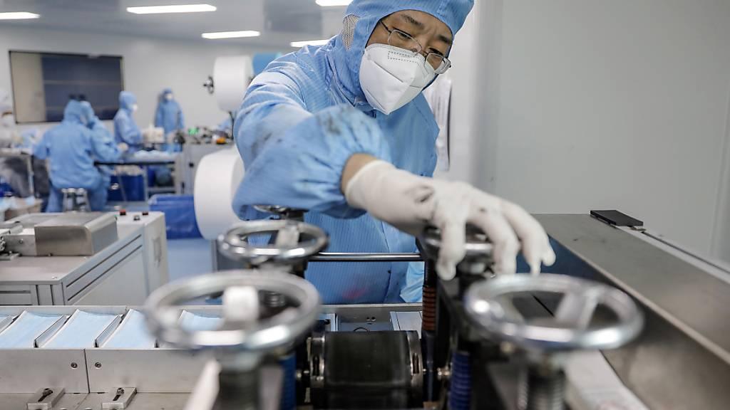 Die Industrie in China blickt trotz der Coronavirus-Pandemie wieder freundlicher in die Zukunft. (Archivbild)