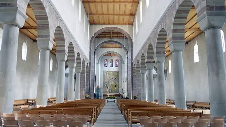 Die Kirchen bleiben offen.