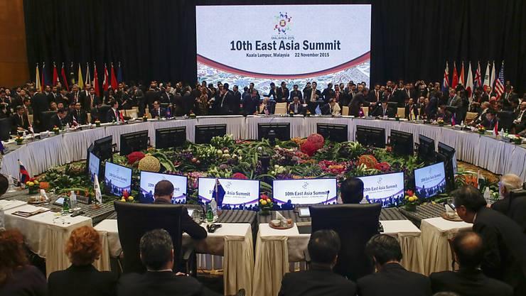 """Die ASEAN-Staaten bezeichnen die AEC-Gründung als """"Meilenstein"""", doch befürchten viele, dass Handelshemmnisse auch weiterhin bestehen werden."""