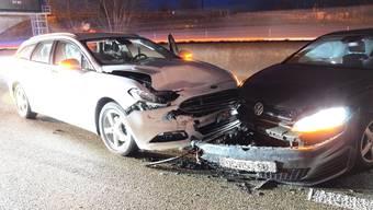 Autobahn A2: Verkehrsunfall mit drei Fahrzeugen – eine Person verletzt.