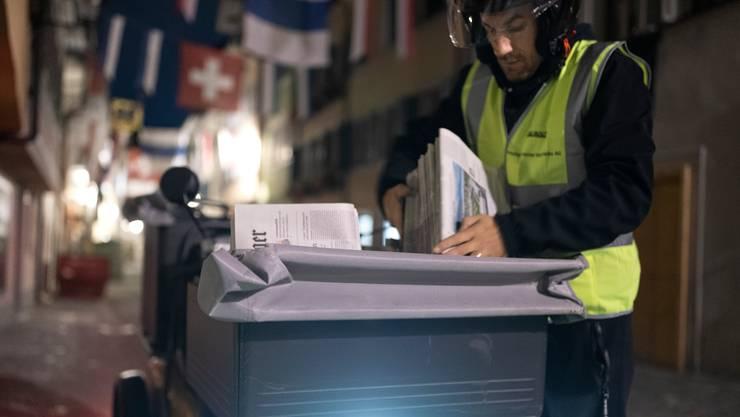 Der Ständerat schlägt vor, die Frühzustellung von Zeitungen finanziell stärker zu unterstützen. (Symbolbild)