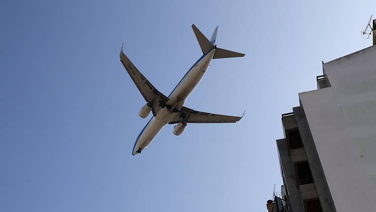 Die Universität Genf erlaubt seinem Personal künftig nicht mehr so viele Flugreisen. (Archivbild).