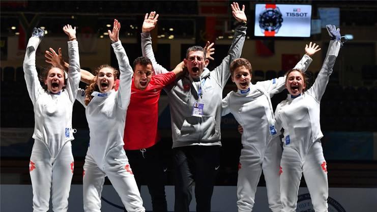 Fiona Hatz (Zweite von links) gewann mit den Schweizer U20-Frauen WM-Bronze.