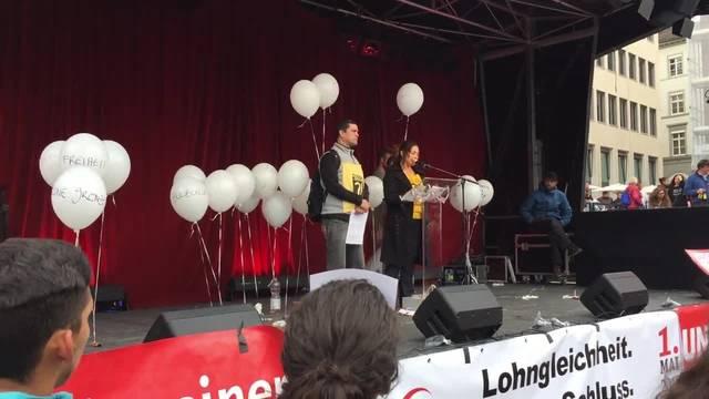 Sans Papier spricht an 1. Mai Demonstration in Basel