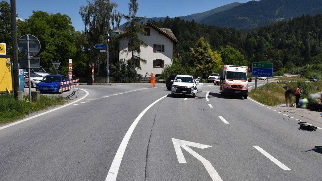 An dieser Verzweigung kam es zur Kollision zwischen dem Auto und dem Motorradfahrer.