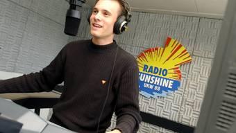 Patrick Hässig führte 2003 als Moderator durch die Sendungen des Zentralschweizer Lokalradios Sunshine (Archiv)