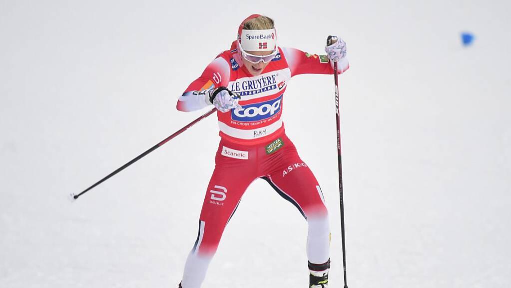 Alleine auf weiter Flur: Therese Johaug hat in ihrer internationalen Wettkampfpause nichts von der Topform eingebüsst.