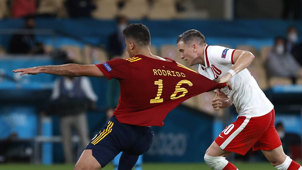 Hinreissender Auftritt von Spanien? Bei weitem nicht. Gegen Polen findet der Mitfavorit den Tritt nicht.