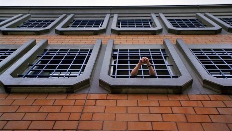 Bildarchiv_Gefängnis_key.jpg