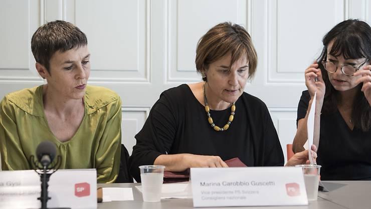Die St. Gallerin Barbara Gysi (links) oder die Tessinerin Marina Carobbio (Mitte): Eine der beiden SP-Nationalrätinnen soll laut der SGB-Frauenkommission die Nachfolge von Paul Rechsteiner antreten. (Archiv)