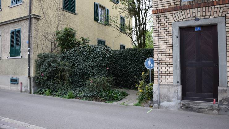 Ein Engpass beim Ortsmuseum an der alten Badenerstrasse.