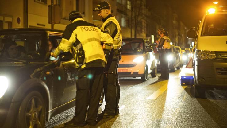 Verkehrskontrolle der Kantonspolizei (Symbolbild).