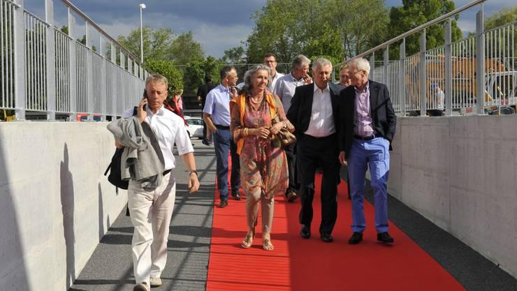 Die Gäste auf dem roten Teppich im Anmarsch