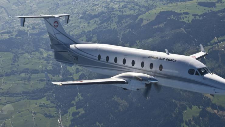 Das Flugzeug Beech 1900D des Lufttransportdienstes des Bundes, hier in einer Aufnahme von 2009, soll verkauft und durch zwei Occasions-Jets der Rega ersetzt werden.