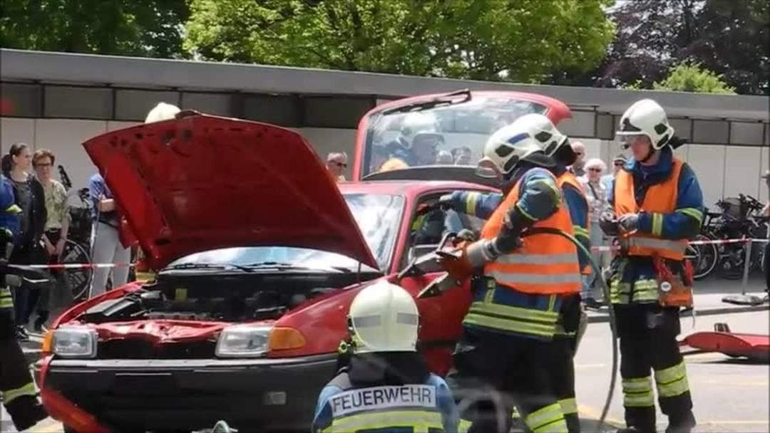 Mia 2019: Feuerwehr-Demo zur Unfallrettung