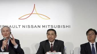 Die französisch-japanische Autoallianz aus Renault, Nissan und Mitsubishi wird nach dem Abgang von Carlos Ghosn von einem Vorstandsgremium mit Renault-Präsident Jean-Dominique Senard (links), Nissan-Chef Hiroto Saikawa (Mitte) und Mitsubishi Motors-Chef Osamu Masuko geführt.