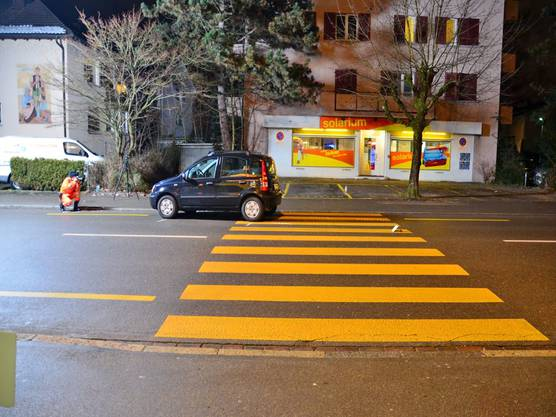 Fussgängerin in Glattbrugg angefahren und schwer verletzt (2)