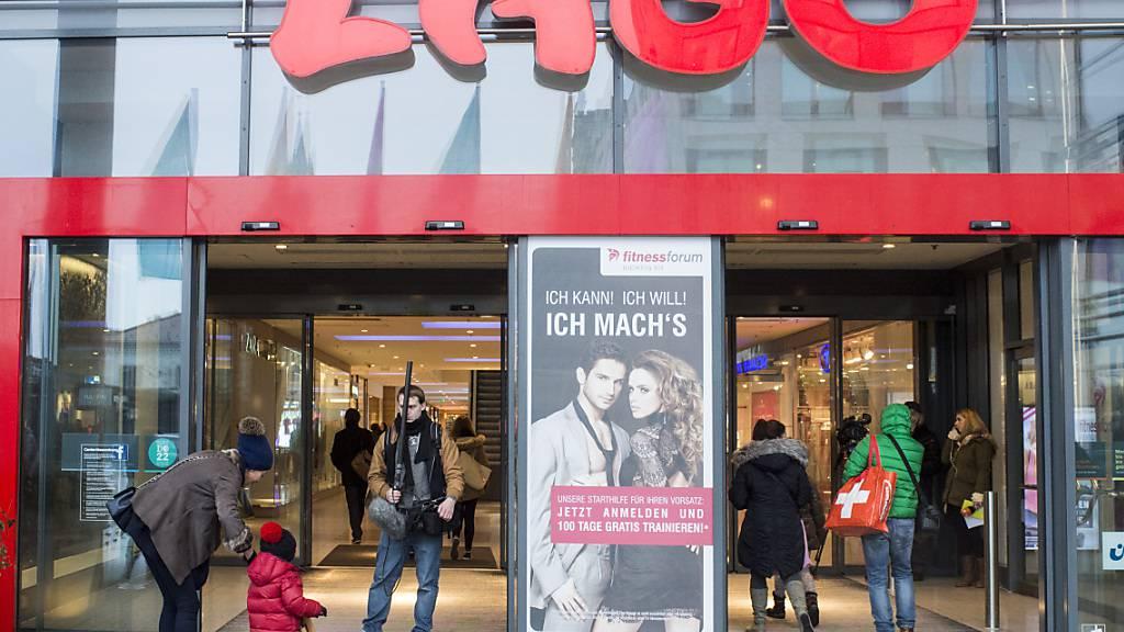 Das deutsche Einkaufszentrum Lago in Konstanz: Der deutsche Detailhandel hat im Corona-Jahr 2020 beim Umsatz zugelegt (Archivbild).