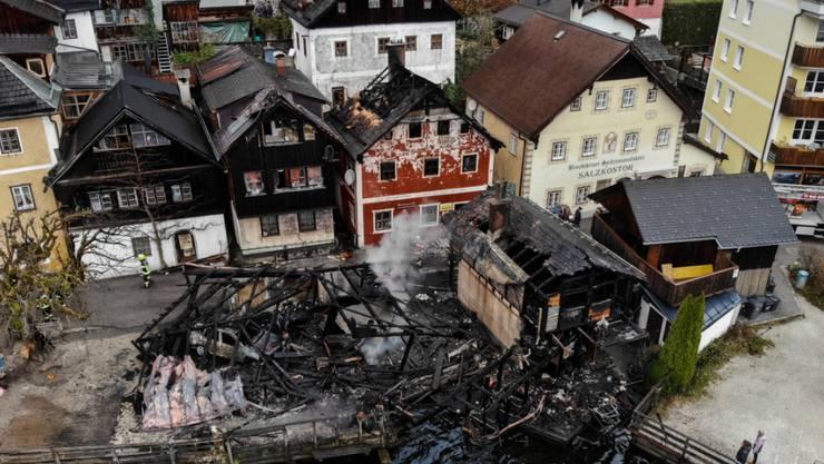 Ein Grossbrand hat den österreichischen Weltkulturerbe-Ort Hallstatt schwer in Mitleidenschaft gezogen.