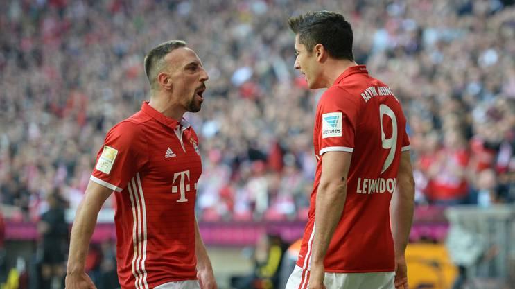Franck Ribery (l., ein Tor) und Robert Lewandowski (zwei Tore) schossen schossen Dortmund quasi im Alleingang ab.