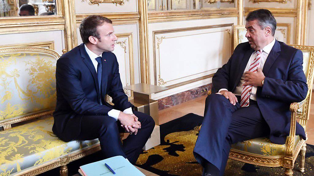 Präsident Macron (l.) hat in Gabriel einen Unterstützer seiner Reformpläne gefunden: Der deutsche Aussenminister stellte sich demonstrativ hinter die französischen Vorstellungen für eine Änderung der sogenannten Entsenderichtlinie.