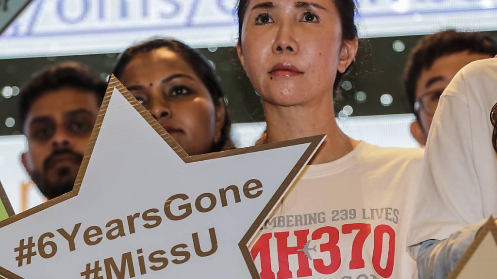 Sechs Jahre nach Absturz: Angehörige fordern neue Suche