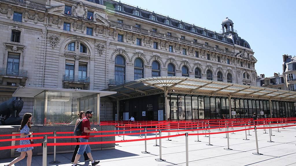 ARCHIV - Das Pariser Musée d'Orsay wird künftig den Namen des verstorbenen Ex-Präsidenten V. Giscard d'Estaing im Titel tragen. Foto: Gao Jing/XinHua/dpa