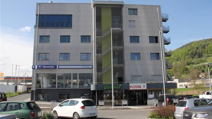 Das «Glashaus» in Reinach.