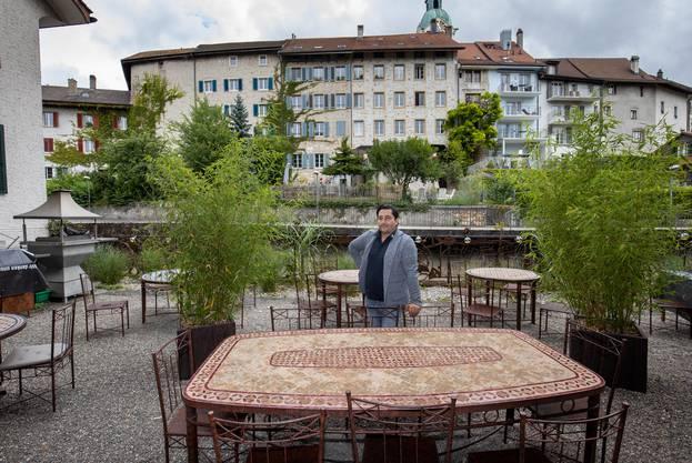 Eigentlich das einzige wirkliche Gartenrestaurant in der Stadt Olten: Gastgeber Nicolas Castillo, Restaurant Schlosserei Genussfabrik.