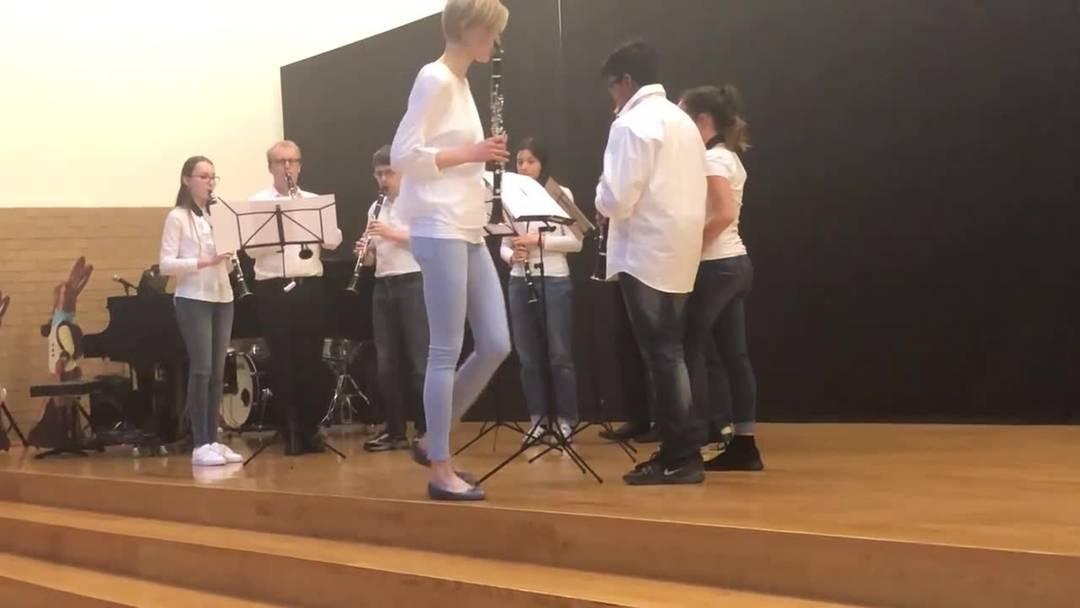 Daniela Jordi leitet das Klezmer-Medley