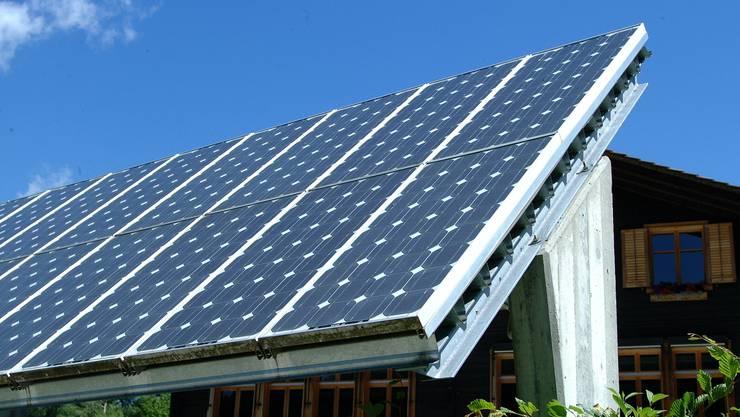 Die Interessengemeinschaft Solaranlage Bad Zurzach will der Bevölkerung das Thema «Erneuerbare Energien» näherbringen. Walter Schwager