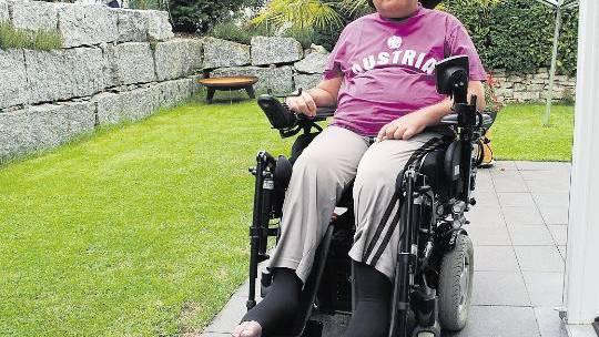 Rollstuhlfahrer Thomas Unteregger muss für Ausflug Busse zahlen.
