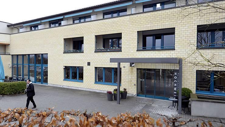 Tatort Alterszentrum Hochweid in Kilchberg (ZH). Im November 2013 wurde dort eine Bewohnerin einer Alterswohnung getötet und beraubt.