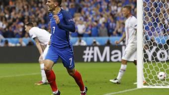 Antoine Griezmann jubelt nach dem bisher letzten seiner vier EM-Tore