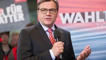 Er wird das konservativ geprägte österreichische Bundesland Tirol weiterhin führen: der amtierende Landeshauptmann Günther Platter von der ÖVP.