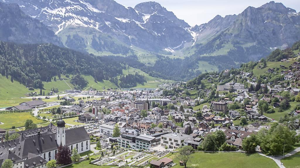 Blick über Engelberg, wo es 2350 Zweitwohnungen gibt. (Archivbild)