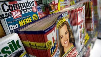 Deutsche Zeitschriften werden in der Schweiz viel teurer verkauft.