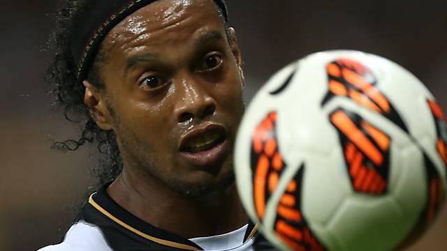 Ronaldinho liess sich die Zähne richten.
