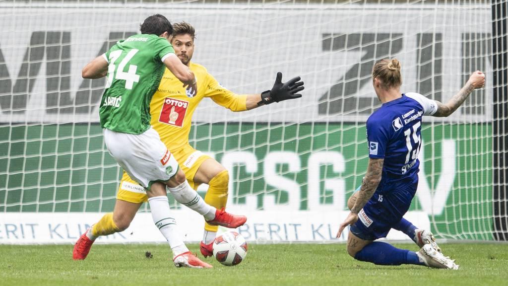 Luzern gegen St. Gallen mit 0:2 zurück – FCSG nur noch zu zehnt