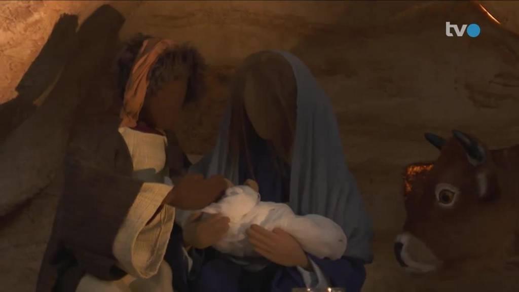 Lebendige Krippe: Maria, Josef und Hirten als echte Menschen