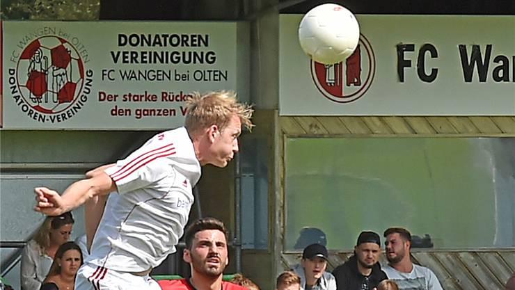 Wangens Nummer 9, Skender Zeqiri, hier im Spiel gegen den SC Schöftland, gehört zu den Sorgenkindern von Trainer Juan Castro.