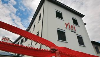 Seit 1936 stellt die Firma Riri in Mendrisio im Tessin Reissverschlüsse her. (Archivbild)