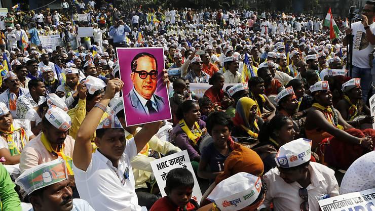 Wie in andern indischen Städten protestierten am Donnerstag auch in Mumbai viele Menschen gegen das umstrittene neue Einbürgerungsgesetz.