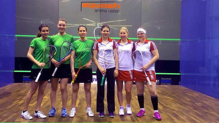 Die Spielerinnen vom Squashclub Fricktal (in Grün) verloren im Final gegen Uster – können sich aber über Silber freuen. zvg
