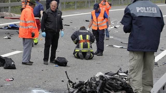 Nach dem schweren Unfall sind zwei Verletzte noch immer in Lebensgefahr