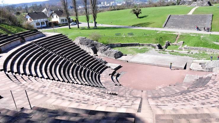Das Amphitheater bietet ein in idyllisches Bild, das leicht darüber hinwegtäuscht, dass in den Anlagen und Gebäuden nicht alles zum Besten steht.  Nicole Nars-Zimmer