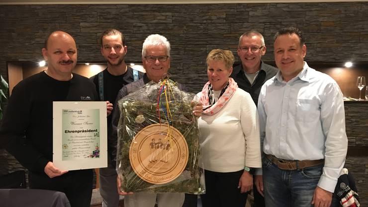 Von links Heini Limacher, Toni Schneider, Ehrenpräsident Werner Surer, Katrin Kissling, Beat Gaugler und Stefan Buchmüller.