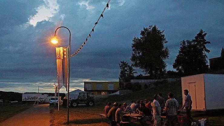 Am Wochenende bleiben die Lampen eingeschaltet.